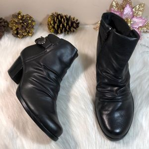 Bare Traps Reliance Faux Leather Ankle Booties 9M